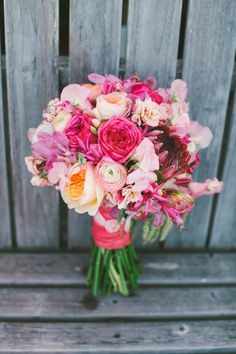Colorful Oregon Summer wedding | Photo by Love Lit Wedding Photography | Read more - http://www.100layercake.com/blog/?p=71921