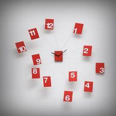 I numeri, che solitamente in un orologio tradizionale stanno immobili tutti zitti in cerchio, qui spiccano il volo! Un gioco di volumi bello, leggero e dinamico. Design di Alberto Sala. Da oggi è su http://lovli.it/index.php/iltempovola.html#