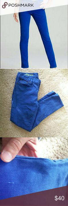J. Crew Toothpick Jeans Great condition toothpick skinny jeans.  Only 1 flaw which is located on the upper thigh as seen in photo 3. Just a small snag but hardly noticable when worn.  Open to offers. J. Crew Jeans Skinny