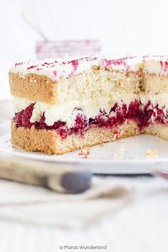 Raspberry Coconut Cake // Himbeer-Kokos-Torte • from Maras Wunderland