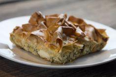 Μια εύκολη τυρόπιτα με φέτα και αρωματικά χορταρικά και τα πέντε μυστικά για ισορροπία γεύσεων και υφών Apple Pie, Quiche, Feta, Pizza, Thanksgiving, Cooking Recipes, Dining, Breakfast, Cheese Bites