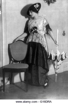 Jeanne Paquin (1869, 1936) was a leading French fashion designer, known for her resolutely modern and innovative - Stock Image 1890s Fashion, Edwardian Fashion, Vintage Fashion, Jeanne Paquin, Edwardian Clothing, Historical Clothing, 20th Century Fashion, French Fashion Designers, Timeless Fashion
