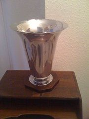Art Deco Tulip Table Lamp  Material: Chrome Condition: discololored scratches on inside. Good Origin: French circa 1930