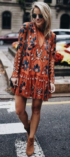 Bohemian dress - boho dress - boho chic style - boho chic outfit Would pair with leggings Super cute! Mode Outfits, Fall Outfits, Fashion Outfits, Womens Fashion, Dress Fashion, Fashion Clothes, Stylish Clothes, Fashion 2018, Summer Outfits
