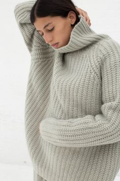 Ryan Roche Cashmere Silk Oversized T-Neck Sweater with Lace Collar - Pale Sage on Garmentory Knitted Jumper Outfit, Chunky Knit Jumper, Turtleneck Outfit, Chunky Knits, Lace Collar, Fashion Story, Cashmere Sweaters, Women's Sweaters, Knitwear