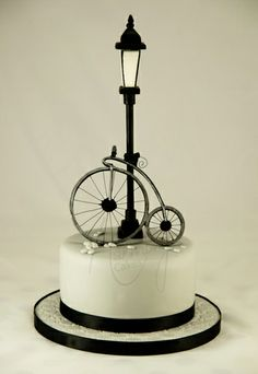Penny Farthing cake - from the Carlos Lischetti 'Animation in Sugar' book