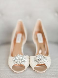 Cream and rose gold wedding heels for the perfect spring bride - Badgley Mischka Pearson Pump