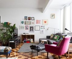 How To Add Just Enough Color without Going Too Crazy — Freunde von Freunden   Apartment Therapy