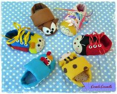 Sapatinhos Felt Kids, Diy For Kids, Baby Shoes, Slippers, Sewing, Boots, Clothes, Alice, Sensory Toys