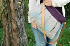 Handpainted and embroidered linen bag - Earth Collection, by Mundo Flo, 56€