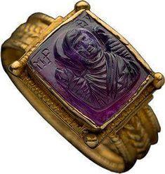 ALBION SANAT Tarihi Takı - 1100 dolaylarında Antik Altın, Ametist Yüzük, Özel Koleksiyon. ALBION ART Historical Jewelry - Ancient Gold, Amethyst Ring, circa 1100 Private Collection.