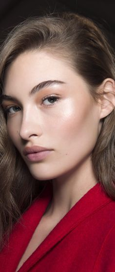 6 Colorful and Creative Makeup Trends Straight From the Fall 2017 Runways Makeup Trends, Makeup Tips, Hair Makeup, Beauty Trends, Beauty Make-up, Beauty Hacks, Hair Beauty, Grace Elizabeth, Minimal Makeup