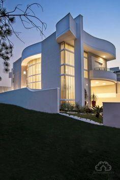 En manque d'inspiration pour le design de votre maison? L'architecture est une bonne manière d'être à la pointe de l'innovation @decoration @architecture @brabbu #lyon #cannes #design Pour plus d'idées, rendez-vous sur www.brabbu.com