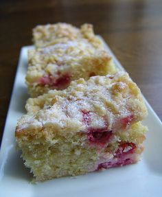 Ribisel-Topfen-Streuselkuchen Rhubarb Tea, Rhubarb Syrup, Cake & Co, Bakery Cakes, Convenience Food, Cakes And More, How To Make Cake, Cake Recipes, Good Food