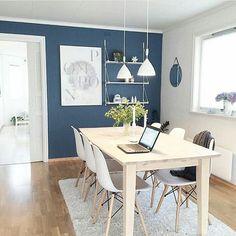 Calming atmosphere 💙 Credit: @maritmarvik ____________________________________ #interior #interiors #interiores #interiordesign #interiør  #farger #fargeglede #fargelykke #color #colorful #colorfulinterior #colorsplash  #Norway #repost