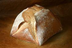 - Dreiecksbrot/ Secksechen Brot - using preferment, nice shape