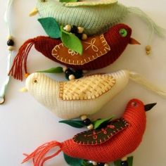 Knitted Birds String of Birds Natural Tones Green Leaves  Code 1a