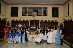 Sevilla (Bormujos).- Las religiosas del Convento de las Dominicas abrieron un año más sus puertas para recibir a los Reyes Magos de Bormujos, siendo éste el único día que reciben visitas del exterior.