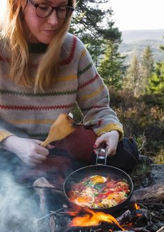 5 tips til turmat du lager på bålet - Obs: Storhandel lønner seg Autumn Crafts, Mat, Nom Nom, Grilling, Food And Drink, Appetizers, Outdoors, Camping, Tips