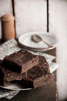 Kokkama Ragnega: Suvikõrvitsakook Candy, Chocolate, Desserts, Recipes, Food, Tailgate Desserts, Deserts, Recipies, Essen