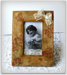 Vintage style photo frame  picture frame  by CarmenHandCrafts, €15.00  #decoupage #photoframe #pictureframe