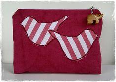 Kosmetiktasche Rot mit Applikation Vögel von MargritliDesign, €21.90