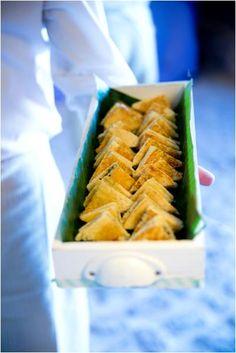 Biquini de queso y trufa calentito, uhmmm!! Uombat Catering. www.uombat.com