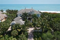 MLS: V136488 | 211 Beachside Drive, Vero Beach, Florida