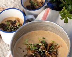 Vi giver dig opskriften til en virkelig lækker suppe, der er perfekt til det kolde vejr. Når svampene er opblødte,  er der mad på bare 20 min.!