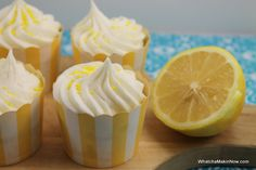 Whatcha Makin' Now?: Lemon Poppy Seed Cupcakes