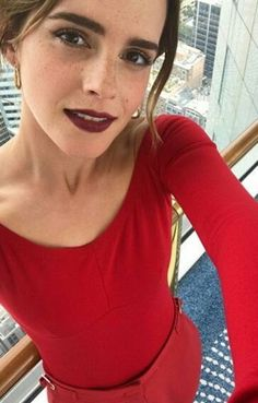 Emma Watsons selfies are everything