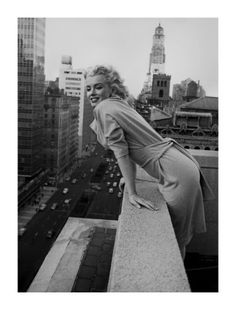 Black and white picture of Marilyn Monroe