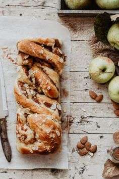babka photography / babka food photography/ apple photography / autumun photography / fall photography photography APPLE CINNAMON BABKA BREAD RECIPE [step by step] Cinnamon Babka, Apple Cinnamon, Cinnamon Recipe, Fall Recipes, Sweet Recipes, Babka Bread, Baking Recipes, Dessert Recipes, Oven Recipes