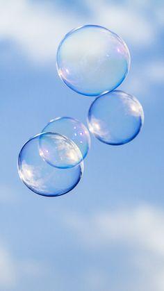 Bubbles | Probando el 70 - 200 de Canon con pompas de jabón | Laura Berdasco | Flickr