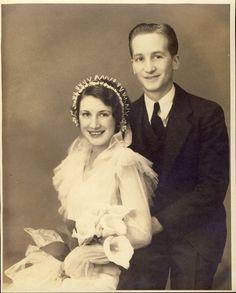 UNIQUE WEDDING HEADDRESS w Lovely Dress and Cala Lillies Art Deco Photo Circa 1930s. $24.00, via Etsy.