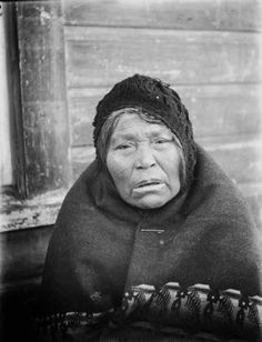 Makah woman named Mrs. Clallum Jackson, wearing a cap and blanket, Neah Bay, Washington 1895