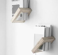 Magazine shelf
