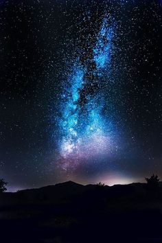 New Nature Photography Sky Starry Nights Ideas Beautiful Sky, Beautiful Landscapes, Ciel Nocturne, Sky Full Of Stars, Galaxy Wallpaper, Night Sky Wallpaper, Travel Wallpaper, Nature Wallpaper, Night Skies