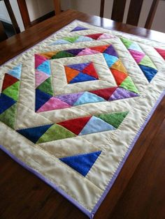 Stop by our web-site for far more pertaining to this striking baby quilts The Effective Pictures We Offer You About patchwork quilting jeans A quality picture can tell you many things. Mini Quilts, Lap Quilts, Scrappy Quilts, Small Quilts, Cot Quilt, Patchwork Quilting, Patch Quilt, Quilting Projects, Quilting Designs