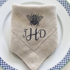 Embroidered Linen Cloth Napkins Bee with Monogram, Monogramed Napkin, table linens, personalized napkins.  Fine Linens.  Wedding Gift.