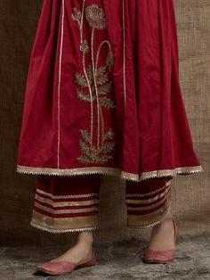 Old Rose Hand Embroidered Cotton Gota Kurta Pakistani Fashion Casual, Pakistani Dress Design, Pakistani Clothing, Indian Clothes, Pakistani Dresses, Indian Dresses, Dress Neck Designs, Designs For Dresses, Stylish Dresses For Girls