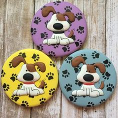 4 delicious dog biscuit recipes your dog will surely love Cat Cookies, Fancy Cookies, Royal Icing Cookies, Cupcake Cookies, Sugar Cookies, Cupcakes, Dog Biscuits, Cookies Et Biscuits, Dog Biscuit Recipes