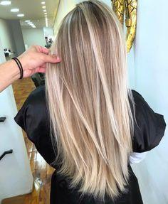 Beauté Blonde, Blonde Hair Shades, Blonde Hair Looks, Brown Blonde Hair, Brown Hair Balayage, Blonde Hair With Highlights, Hair Color Balayage, Blonde Balayage, Blonde Hair Inspiration
