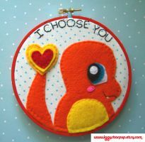 Charmander I Choose You Hoop by iggystarpup Pokemon Charmander, Cute Pokemon, Bulbasaur, Felt Embroidery, Embroidery Ideas, Cute Crafts, Diy Crafts, Kawaii Felt, Video Game Crafts
