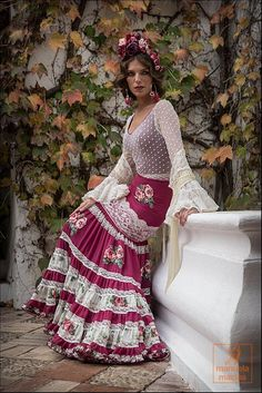 Falda canastera Flamenco Costume, Flamenco Skirt, Mexican Dresses, Indian Dresses, Grad Dresses, Bridal Dresses, Spanish Dress, Maxi Skirt Outfits, Goth Dress