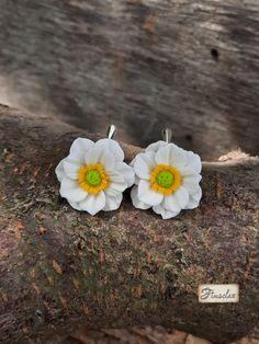 "Cercei argint ""anemone albe"" - Fimoclas Anemone, Stud Earrings, Jewelry, Jewlery, Jewerly, Stud Earring, Schmuck, Jewels, Jewelery"