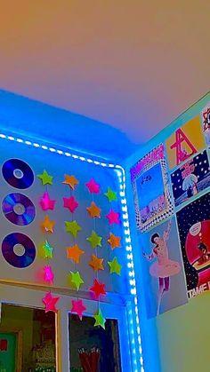 Indie Bedroom, Indie Room Decor, Cute Room Decor, Aesthetic Room Decor, Room Ideas Bedroom, Bedroom Decor, Bedroom Inspo, Chill Room, Neon Room