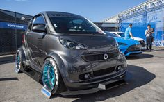 Smart For Two mod Smart Auto, Smart Fortwo, Smart Car Body Kits, Top Luxury Cars, Car Camper, Mens Toys, Car Tuning, Small Cars, Electric Cars