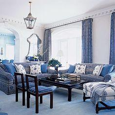 Coastal Colors: Blue & white living room