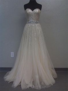 Gaea!! I found your dress!!  An Actual site!!  Sherri Hill Evening dress 2545 - Prom 2011 Collection